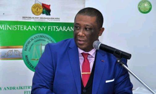 FITSARANA: Hitondra rivo-baovao eo anivon'ny ministera iadidiany i Imbiky Herilaza